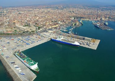Catania a rischio desertificazione demografica, economica e sociale