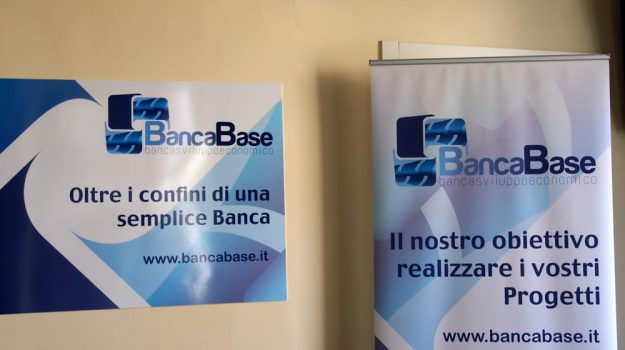 "Catania, operazione ""Fake Bank"": crack Banca Base, 2 arresti"