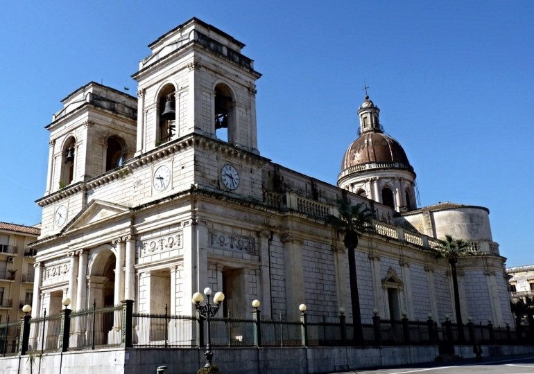 Giarre, solidarietà e fraternità al Duomo Sant'Isidoro Agricola