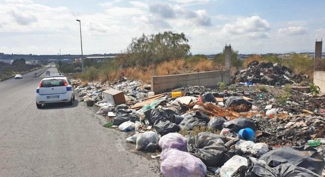 Belpasso: 30 tonnellate di rifiuti abbandonati in micro discariche