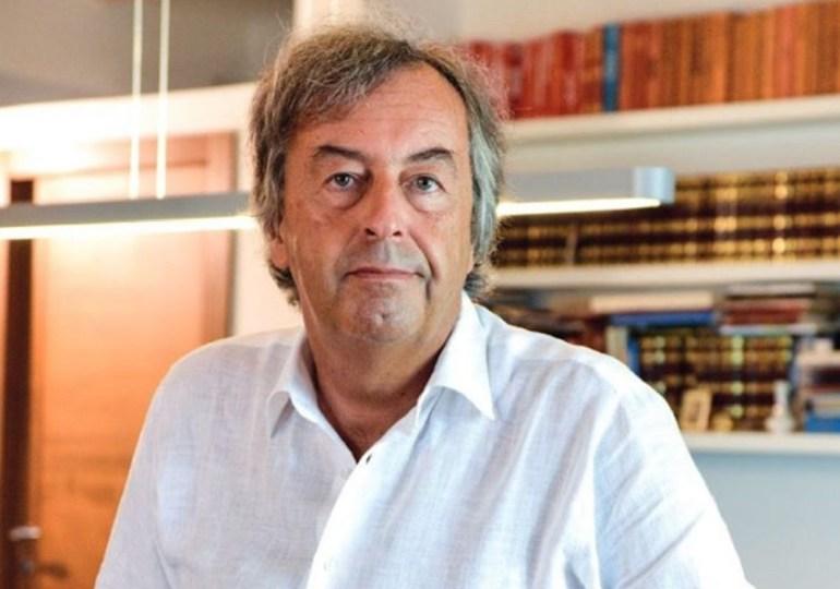 Coronavirus: Roberto Burioni spiega le analogie e le differenze con l'influenza