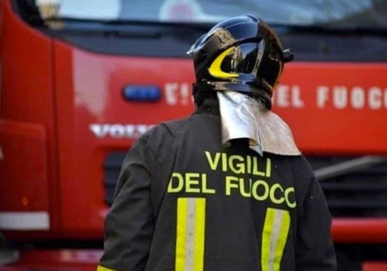 """Vigili del fuoco: Carmelo Barbagallo: """"amati, apprezzati e derubati. Ma chi ci soccorre?"""""""