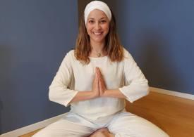 Fare yoga in quarantena: consigli per praticare comodamente da casa