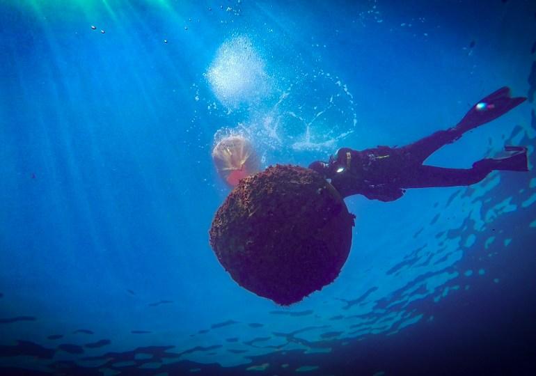 Mina nel mare di Palermo, intervengono i subacquei della Marina Militare