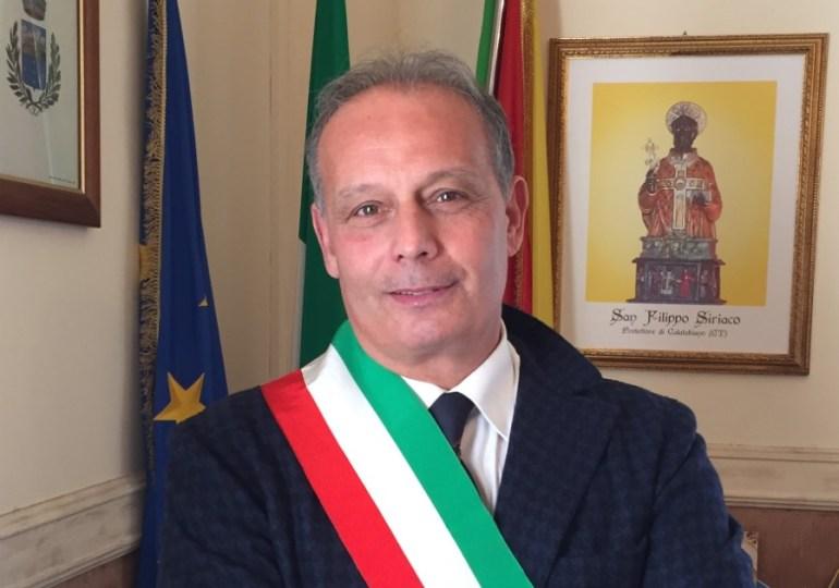 Lo strano caso del sindaco di Calatabiano presidente per una notte del Parco dell'Alcantara