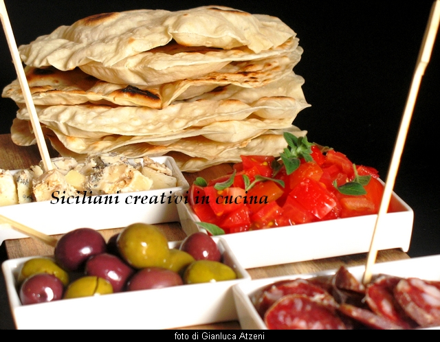 Unleaved bread or chapati: a bread without yeast very fast and good