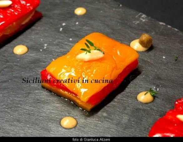 Millefoglie di peperoni e salsa tonnata: ricetta tradizionale piemontese con un presentazione raffinata