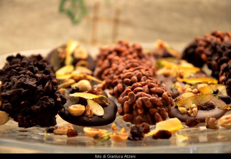 Puffed rice and chocolate Florentines