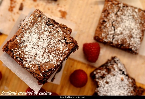 Brownies alle nocciole: ricetta facile pronta in 10 minuti