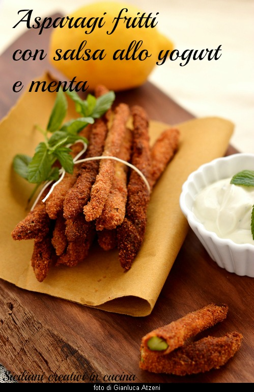Fried asparagus with mint and yogurt sauce