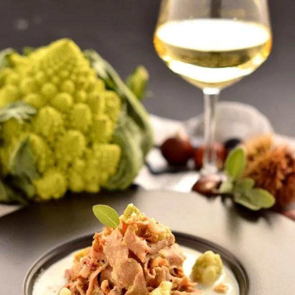 Pappardelle di castagne con broccolo romanesco e fonduta di pecorino