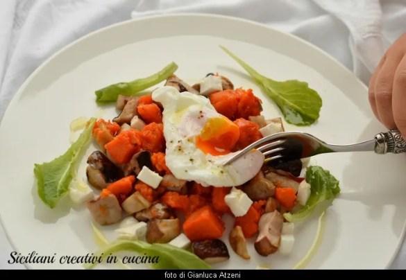 Zucca arrosto, funghi porcini e uova in camicia