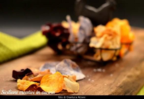 Chips di patate, rape, topinambur: perfette per l'aperitivo vegano