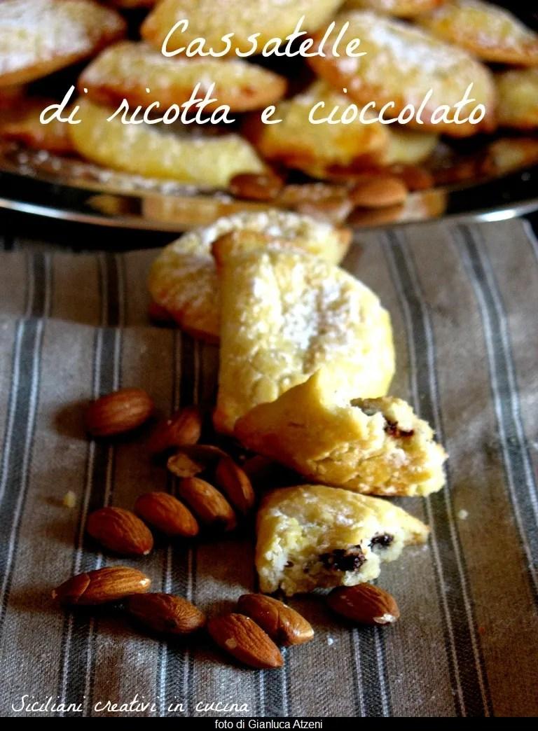 Cassatelle di ricotta e cioccolato al forno