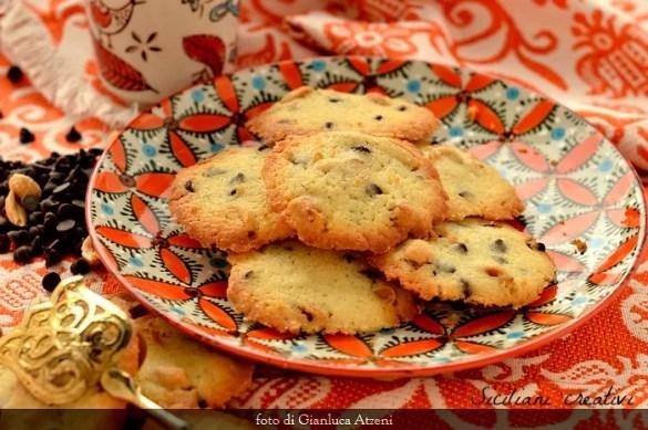 Biscotti americani alle arachidi e cioccolato