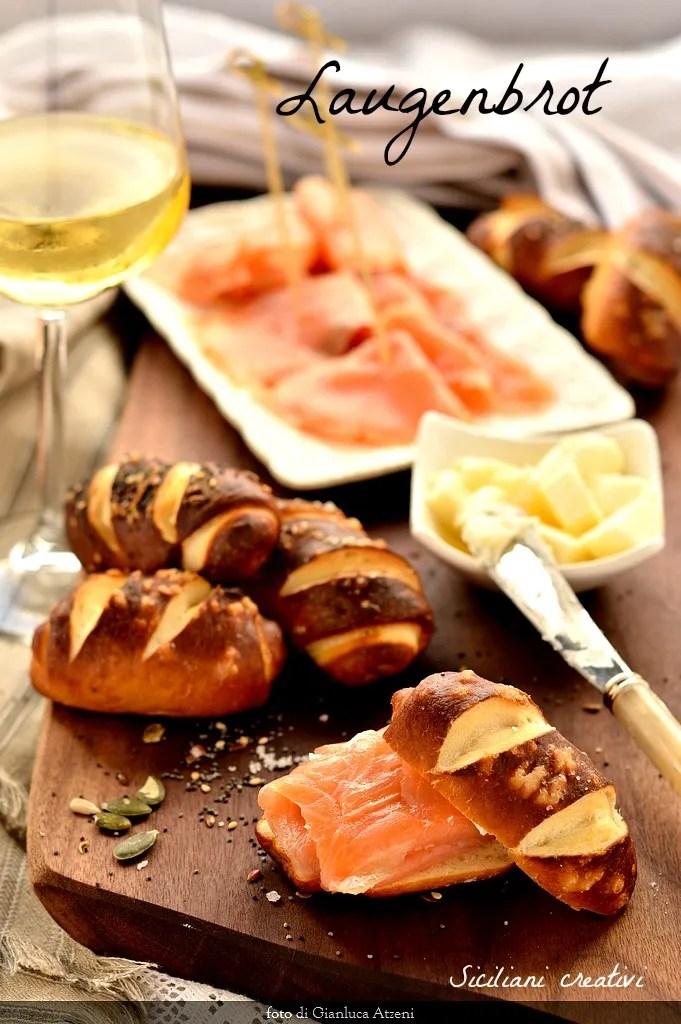 Laugen o laugenbrot, il pane altoatesino glassato con sale e bicarbonato