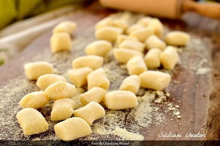 Ñoquis de sémola con mantequilla y salvia: receta fácil lista en 10 minutos
