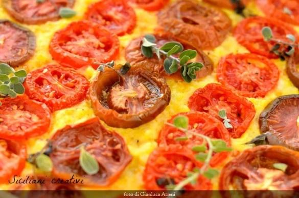 Torta rustica di riso e pomodori