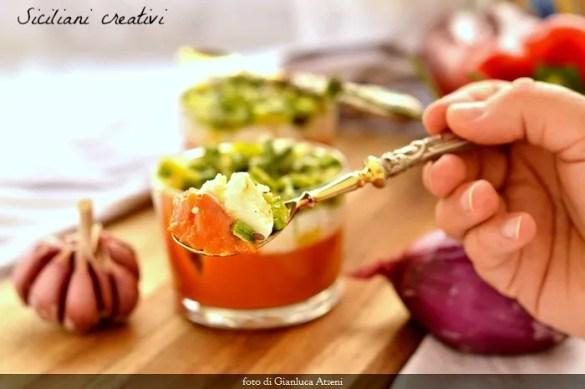 Gelo di gazpacho, mozzarella di bufala e zucchine croccanti
