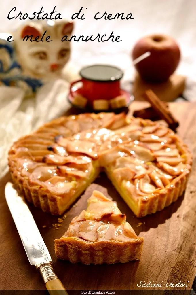 Apfelkuchen und Vanillesauce