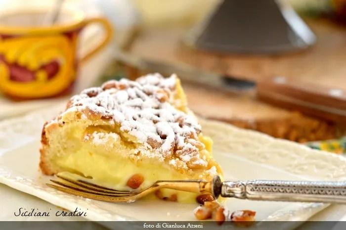 Torta della nonna (con crema y piñones): Cremosissima receta original