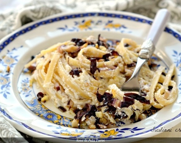 Pasta con ricotta noci e radicchio tardivo Igp