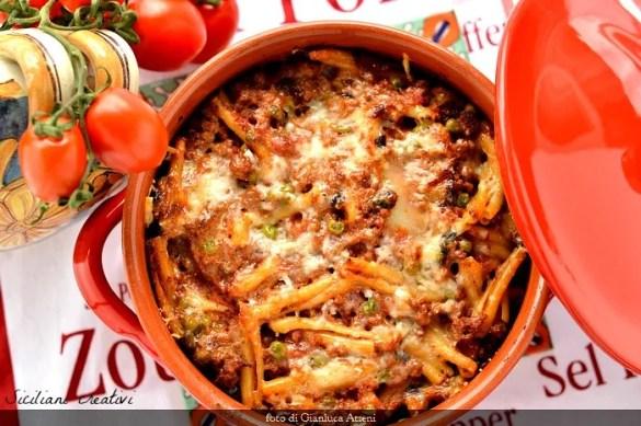 Pâtes incasciata à Messine, l'un des nombreux plats d'introduction que vous pouvez préparer pour les vacances