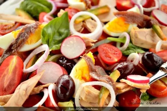 Insalata nizzarda (salade nicoise)
