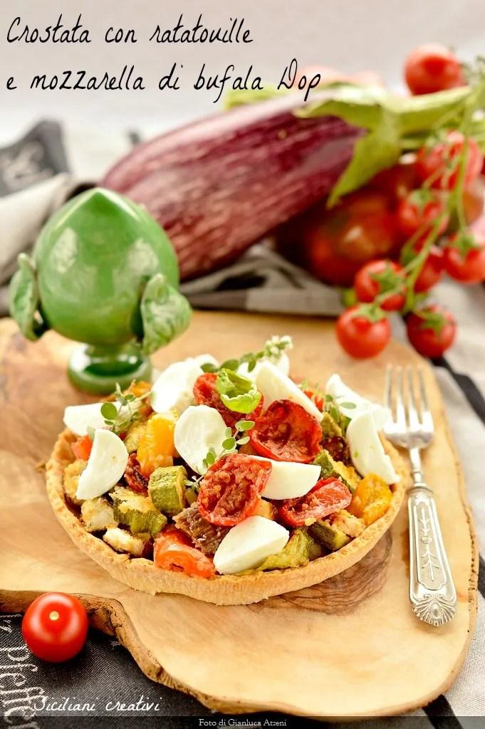 Crostata con ratatouille di verdure e mozzarella di bufala Dop