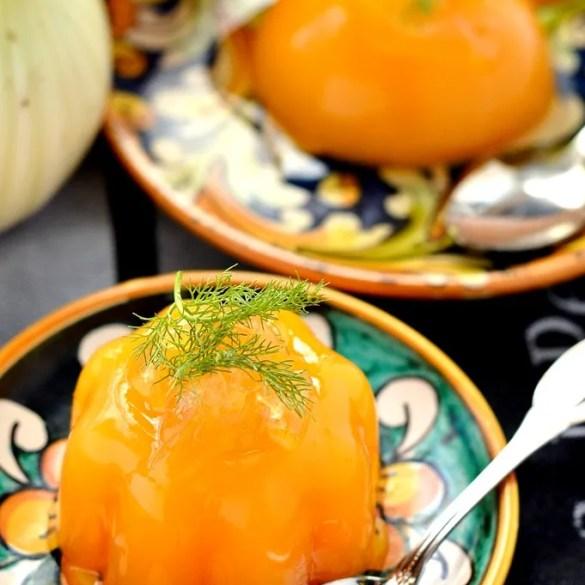 Gelo di arance, un classico dessert siciliano, con il tocco in più dei finocchi canditi. Ricetta facilissima.