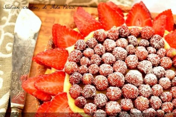 Crostata di crema e fragole fresche