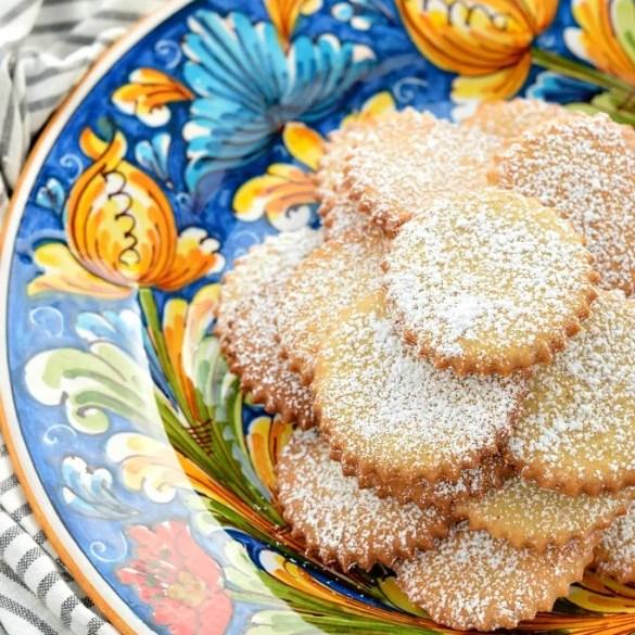 Biscotti algerini, con marsala e strutto nell'impasto