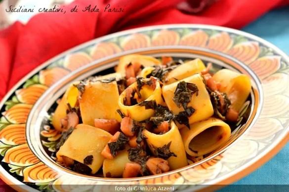 Pasta con ragù di calamari e cavolo nero