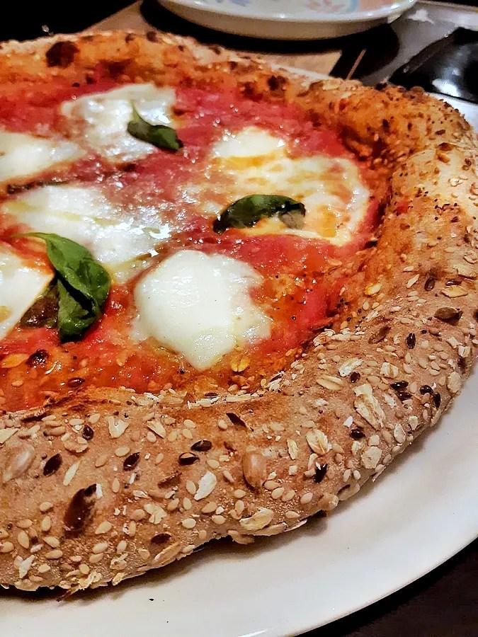 "Eine Pizzeria Messina ""Straßenlaterne"": pizze Gourmet e a km Null"