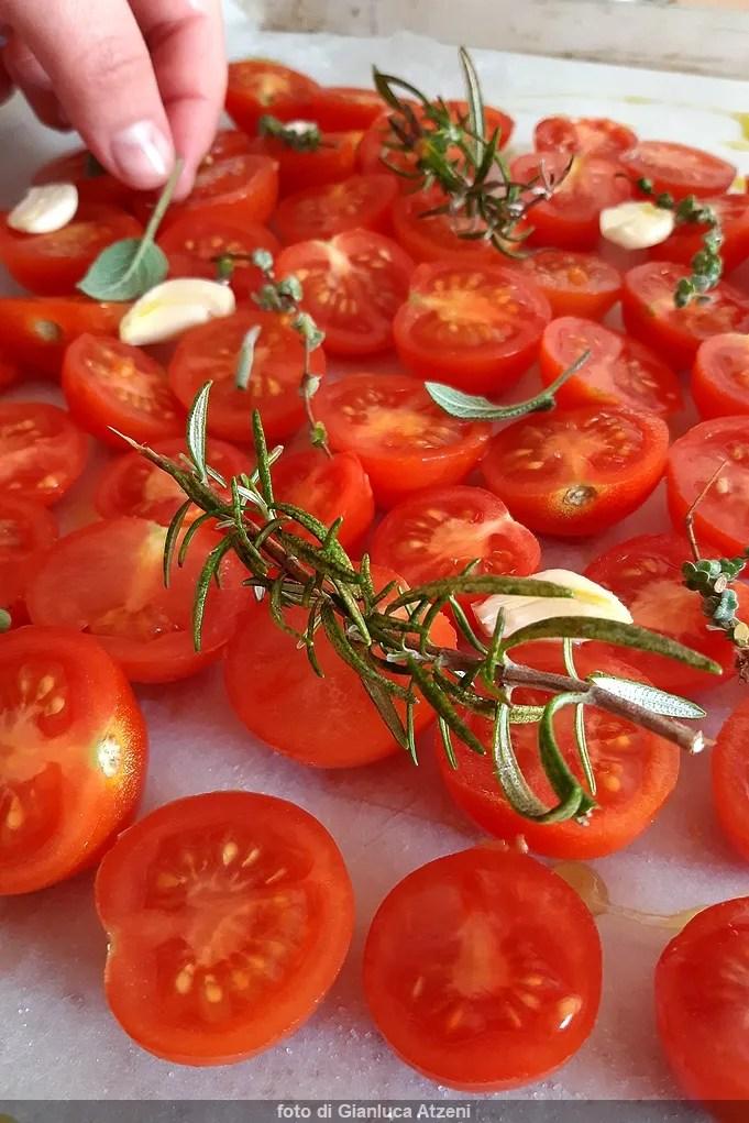 Pomodori confit, indispensabili in cucina