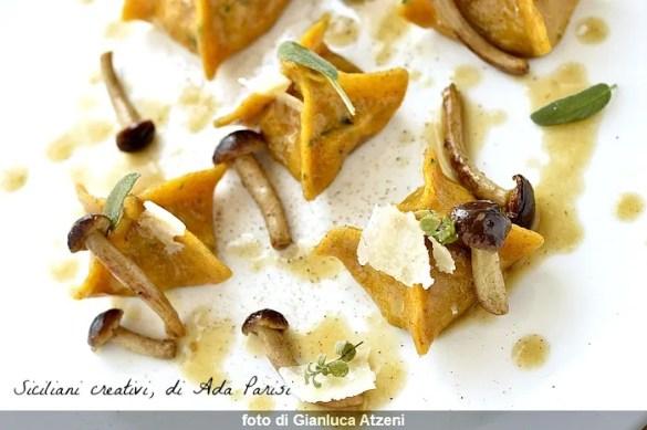 Ravioli di agnello, il suo fondo e funghi pioppini: ricetta gourmet