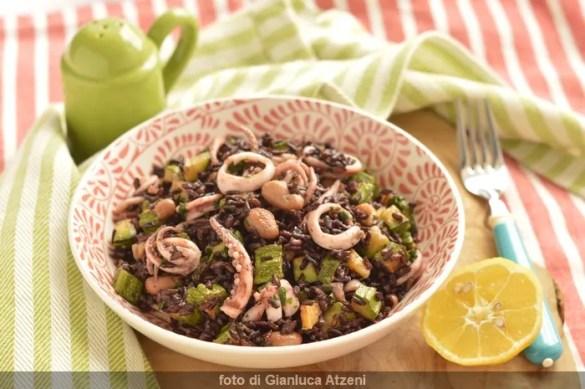 Insalata di riso, totani e zucchine