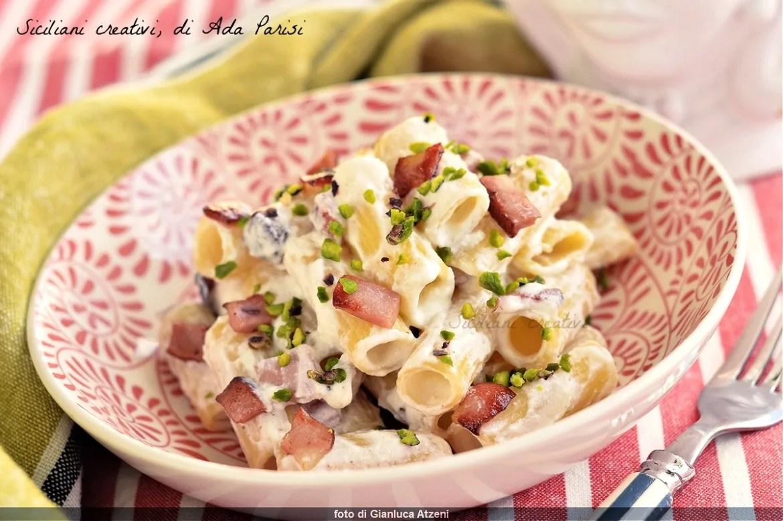 Pasta with ricotta cheese, mortadella and pistachio