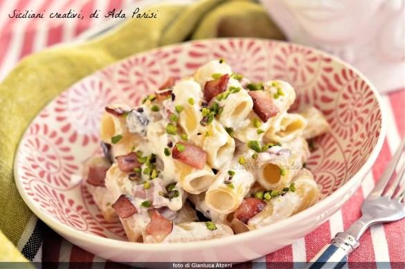 Pasta con ricotta, mortadella e pistacchio