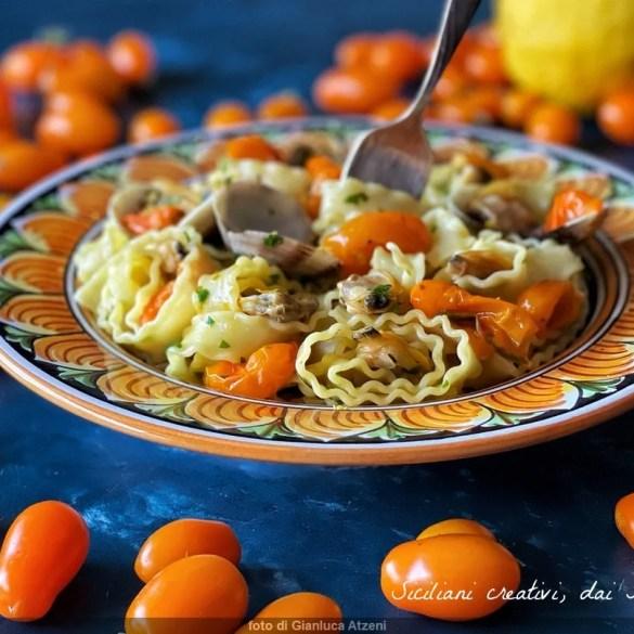 Pasta alle vongole limone e pomodori gialli