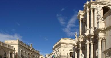 #Siracusa. Divieto di bivacco in piazza Duomo e in piazza Minerva