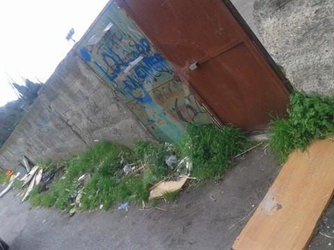 #Barcellona. Discarica abusiva accanto ai cancelli del campo sportivo LE FOTO
