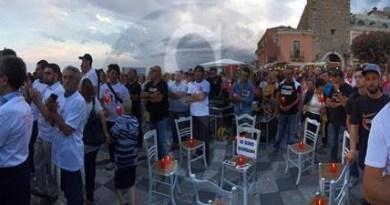 #Taormina. Un migliaio di uomini in piazza contro il femminicidio