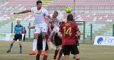 #LegaPro. Il Messina batte la Reggina sotto la neve: 2-0 firmato Bruno-Milinkovic