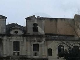 #Barcellona. Il maltempo causa il crollo del campanile della chiesa dei Basiliani