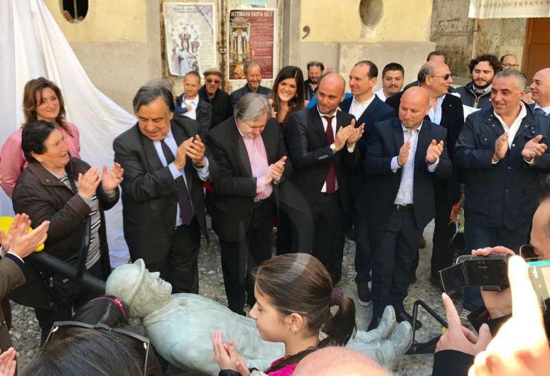 #Palermo. Arte e crowdfunding, presentata l'opera dedicata a Franco e Ciccio