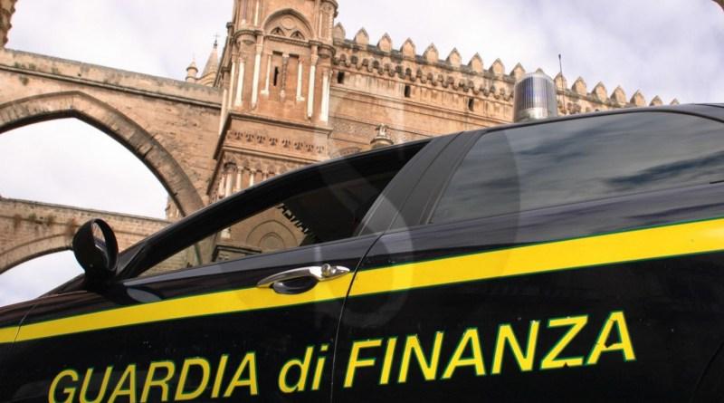 Palermo, officina non autorizzata e RdC: multa e denuncia alla Procura per meccanico abusivo