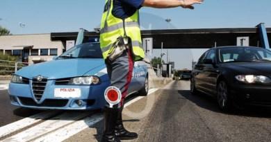 Cronaca. Patti, controlli a tappeto della Polizia Stradale: sequestrato pullman senza assicurazione