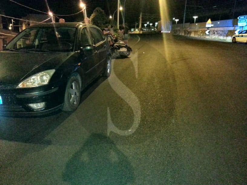 Cronaca. Sorpasso azzardato a Briga Marina, TIR urta scooter: un ferito