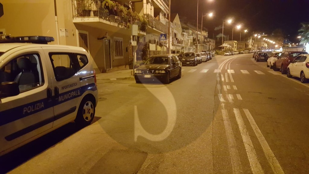Cronaca. Messina, riviera nord: investe una donna sulle strisce pedonali e fugge, caccia all'uomo
